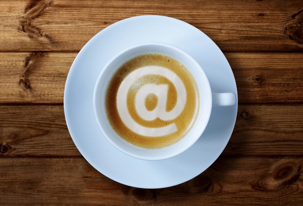 Am besten erreichen Sie Jocado per Email! Bild: Copyright Flynt - bigstockphoto.com