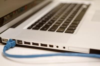 Eine schnelle DSL-Verbindung ist selbstverständliche Grundvoraussetzung für die Arbeit als Search Engine Evaluator.